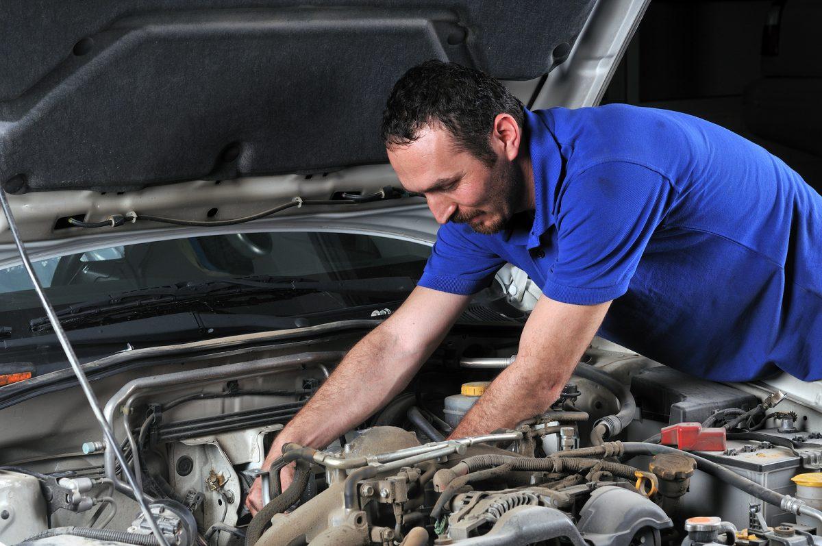 Реставриране на авточасти или рециклиране на авточасти
